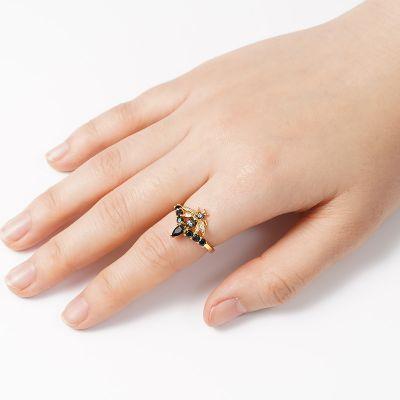 Bee V Ring